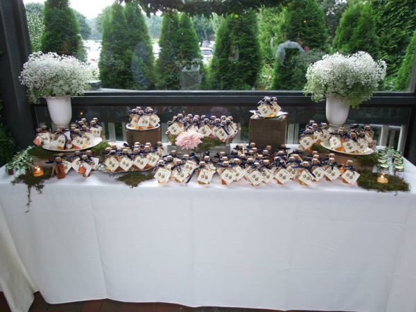 winter park honey wedding favors at the biltmore house in asheville, nc